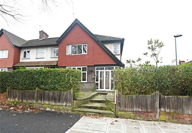 3 Bedrooms End Of Terrace House for sale in High Road, East Finchley, N2
