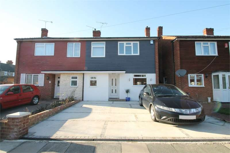 3 Bedrooms Semi Detached House for rent in Beverley Close, N21