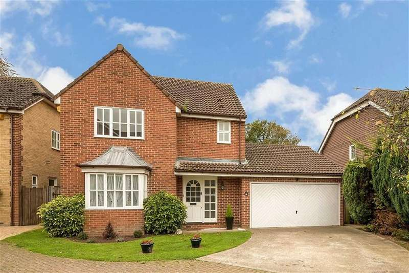 4 Bedrooms Detached House for sale in Canon Woods Way, Kennington, Ashford