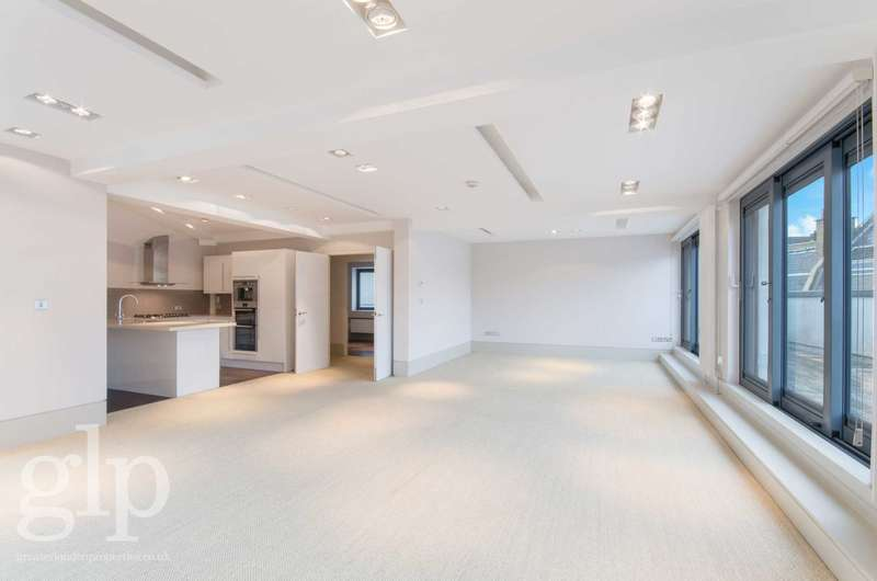 3 Bedrooms Flat for rent in St Martins Lane, Covent Garden, WC2E