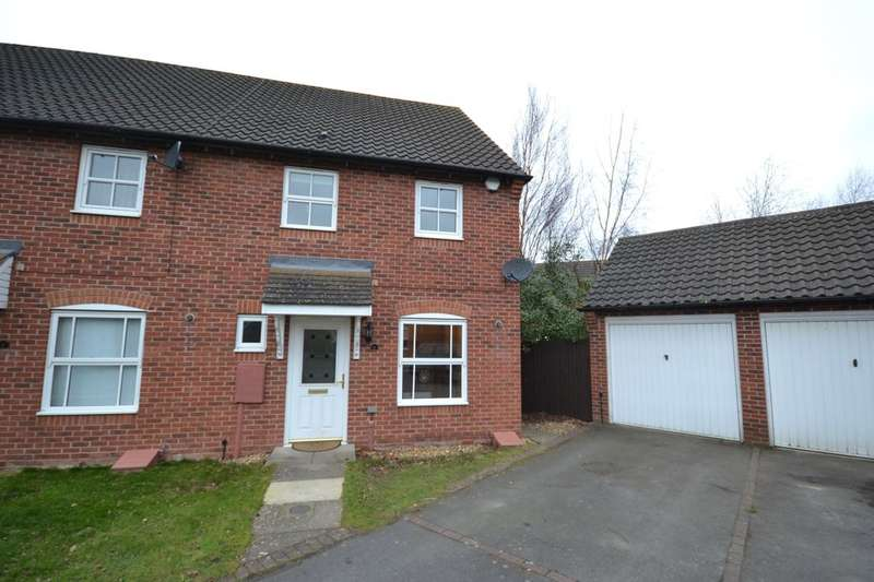 3 Bedrooms Property for rent in Keepers Close, Northampton, NN4