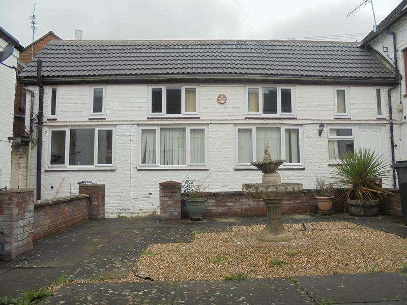 1 Bedroom Terraced House for sale in Port Street, Evesham
