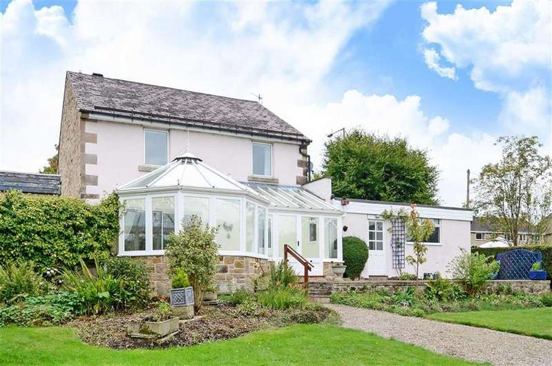 4 Bedrooms Detached House for sale in The Coach House, Bakewell Road, Matlock, Derbyshire, DE4