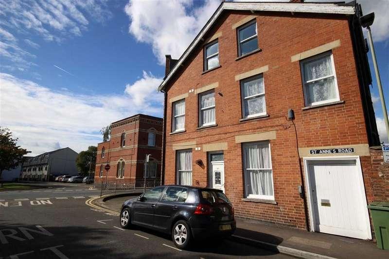 2 Bedrooms Flat for sale in St Annes Road, Fairview, Cheltenham, GL52