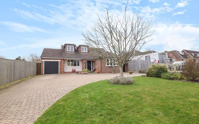 3 Bedrooms Detached Bungalow for sale in Fairthorne Rise, Old Basing