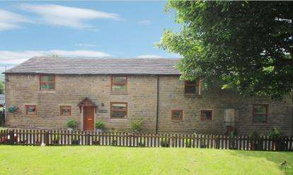 4 Bedrooms Semi Detached House for sale in Top O'Th' Sugarfield, Pickup Bank, Darwen, Lancashire, BB3