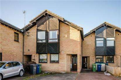 2 Bedrooms Terraced House for sale in Cambridge