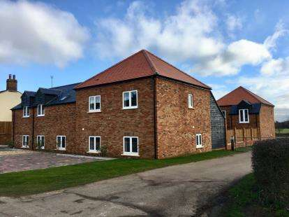 Maisonette Flat for sale in Cherry Mews, Flitwick Road, Maulden, Bedfordshire