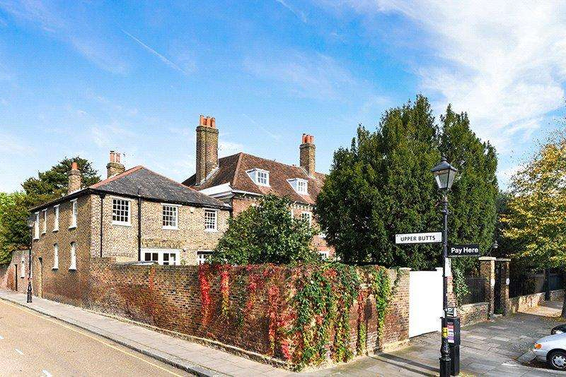 4 Bedrooms Semi Detached House for sale in The Butts, Brentford, TW8