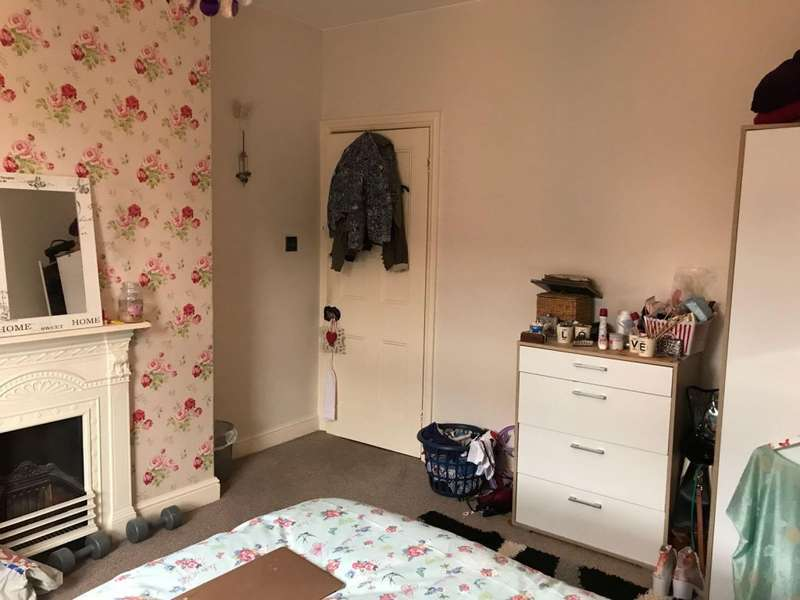 4 Bedrooms Terraced House for rent in Cranwell Street, LINCOLN, LN5
