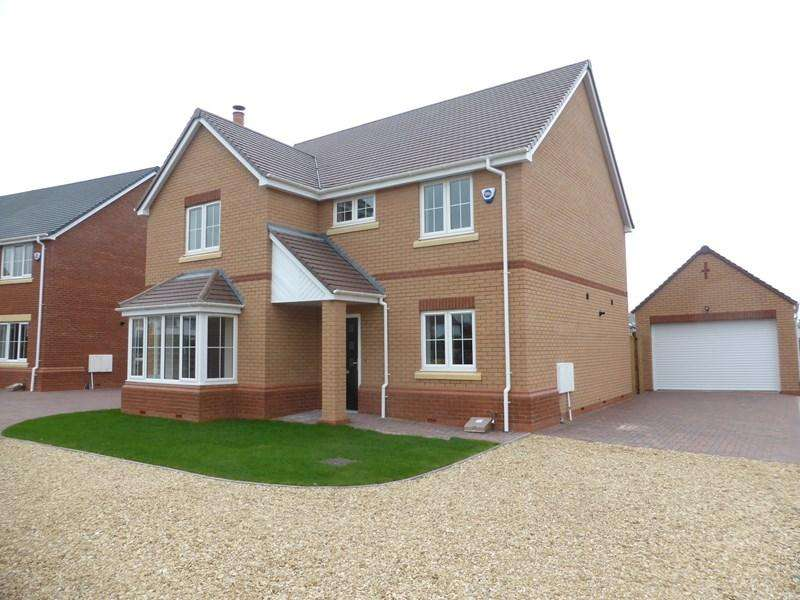 4 Bedrooms Detached House for sale in Blacksmiths Lane, Cropthorne, Pershore