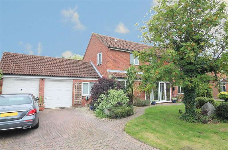 4 Bedrooms Detached House for sale in Sunningdale, Amington, Tamworth, B77 4NW