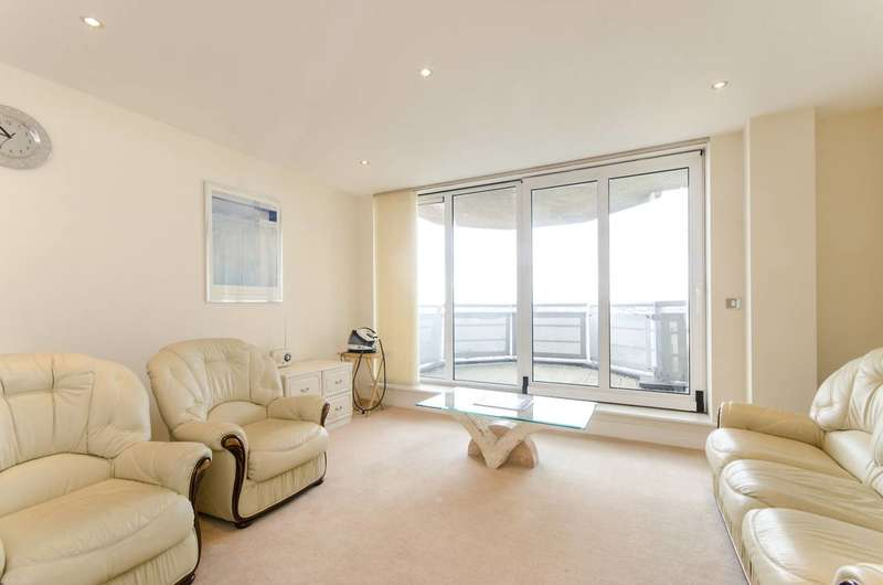 3 Bedrooms Flat for sale in Wards Wharf Approach, Royal Docks, E16
