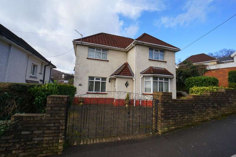 3 Bedrooms Detached House for sale in Gelli Avenue, Risca, Newport, NP11