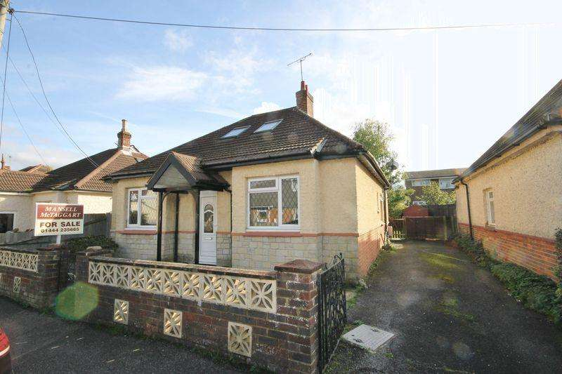 3 Bedrooms Detached House for sale in St Andrews Road, Burgess Hill, West Sussex