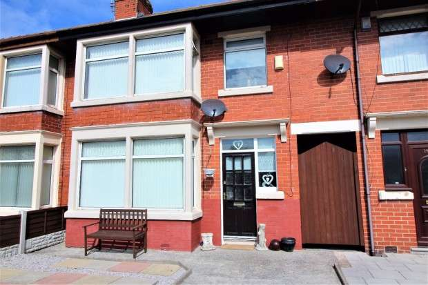 3 Bedrooms Terraced House for sale in Hatfield Avenue, Fleetwood, FY7