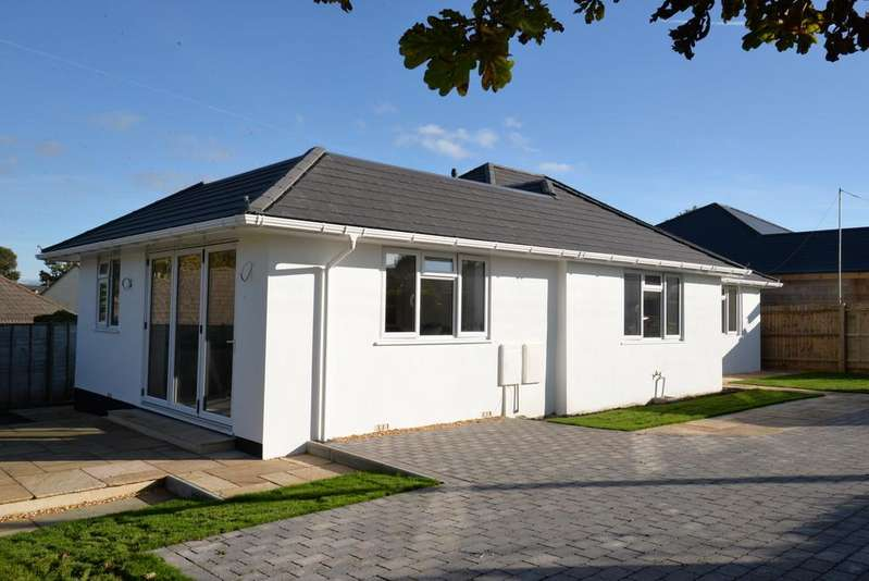 3 Bedrooms Detached Bungalow for sale in Barrs Wood Road, New Milton