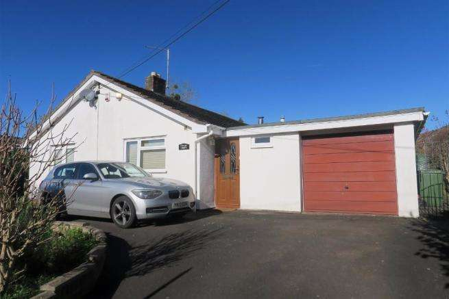 3 Bedrooms Detached Bungalow for sale in Stoke St Mary, Taunton TA3