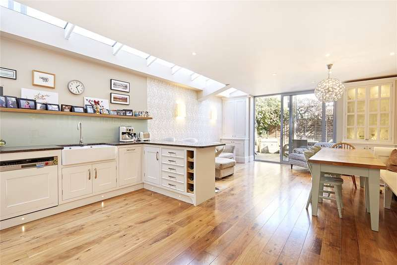 4 Bedrooms Terraced House for sale in Eddiscombe Road, Parsons Green, Fulham, London, SW6