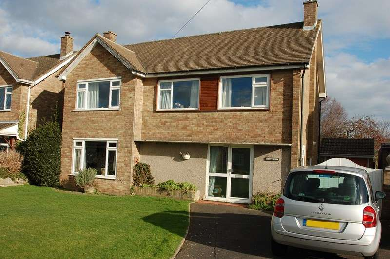 3 Bedrooms Detached House for sale in Jellicoe Avenue, Alverstoke, Gosport