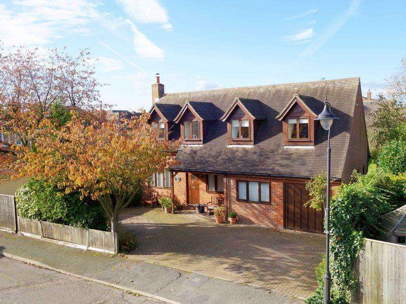 4 Bedrooms Village House for sale in Long Crendon, Buckinghamshire