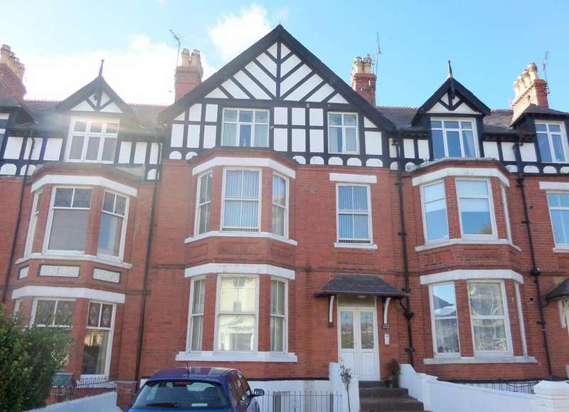 2 Bedrooms Apartment Flat for sale in Clement Avenue, Llandudno