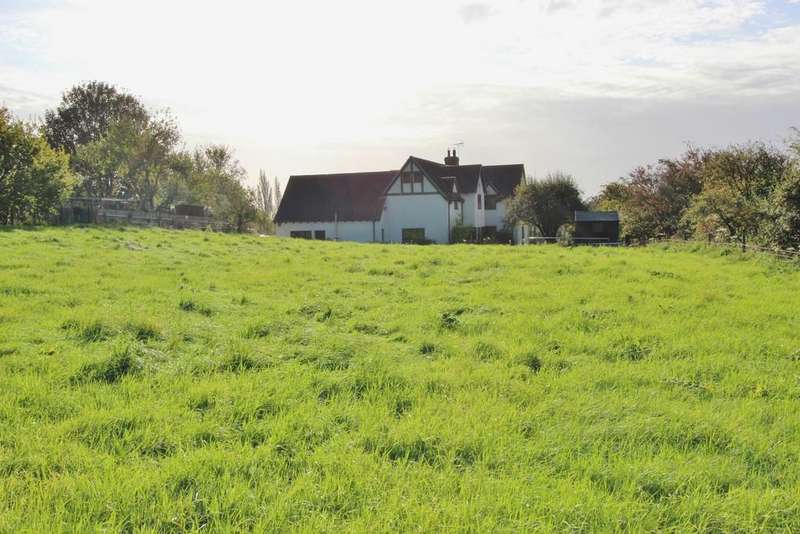 4 Bedrooms Detached House for sale in Outstanding rural location in Compton Bishop