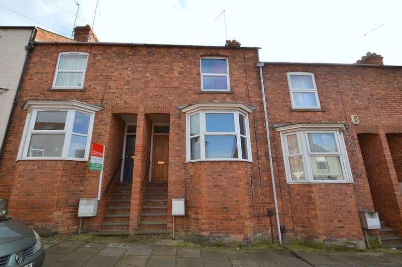 4 Bedrooms Property for sale in Newington Road, Kingsthorpe, Northampton, NN2