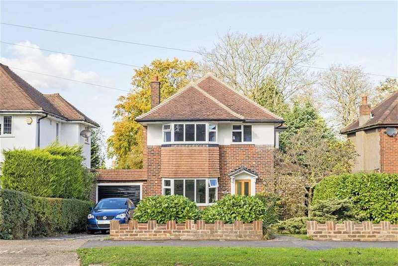 3 Bedrooms Detached House for sale in Great Tattenhams, Epsom Downs, Surrey