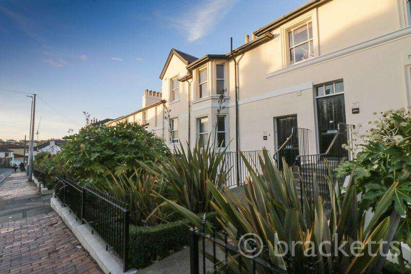 2 Bedrooms Apartment Flat for sale in Garden Road, Tunbridge Wells