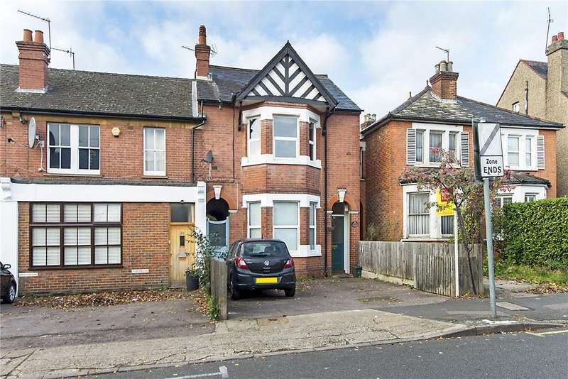 3 Bedrooms Flat for sale in Hallowell Road, Northwood, Middlesex, HA6