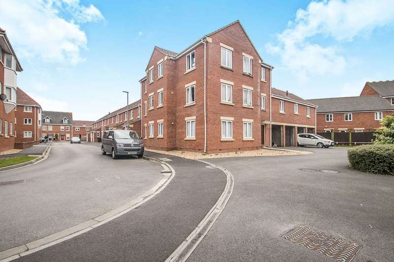 2 Bedrooms Flat for sale in Lords Way, Bridgwater, TA6