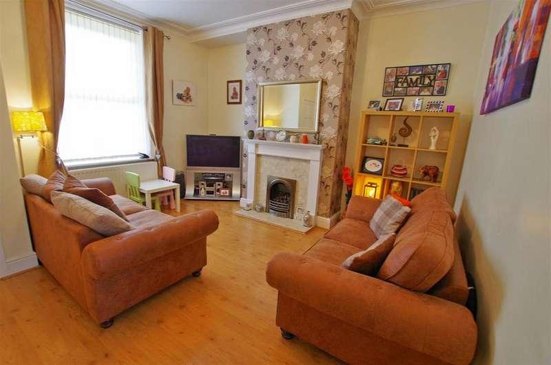 2 Bedrooms Terraced House for sale in Duke Street, Elland