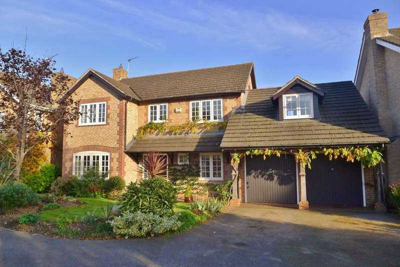 4 Bedrooms Detached House for sale in FOXGLOVES, FAREHAM