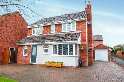 4 Bedrooms Detached House for sale in Swettenham Close, Alsager, Cheshire