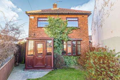 2 Bedrooms Detached House for sale in Conway Avenue, Billingham, .