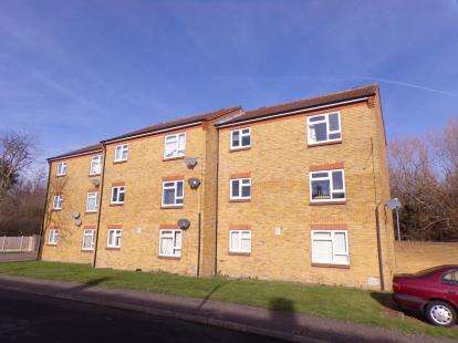 1 Bedroom Flat for sale in Laindon, Essex