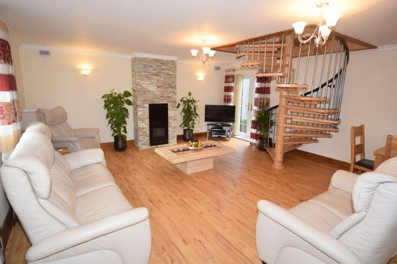 4 Bedrooms Detached House for sale in Dale Street, Askam-in-Furness, Cumbria, LA16 7DH