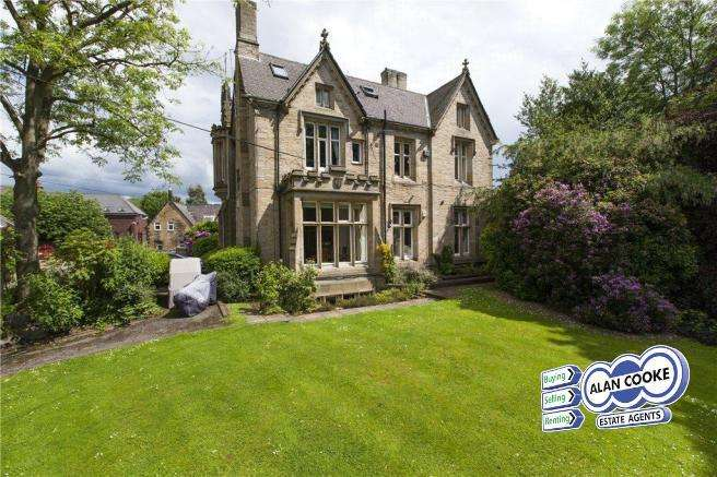 2 Bedrooms Flat for sale in St Anns Tower, Kirkstall Lane, Headingley