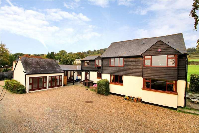5 Bedrooms Detached House for sale in Pilgrims Way, Detling, Maidstone, Kent, ME14