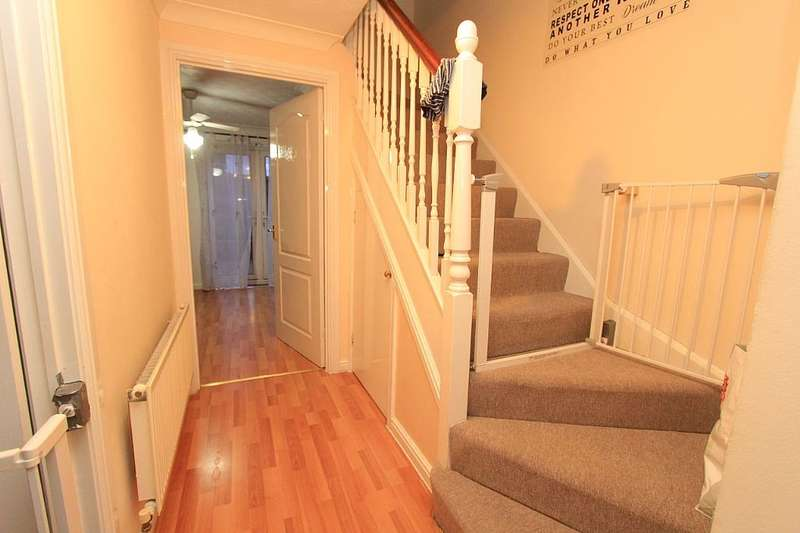 2 Bedrooms Terraced House for sale in Galleon Road, Chafford Hundred, Grays, Essex, RM16 6BD