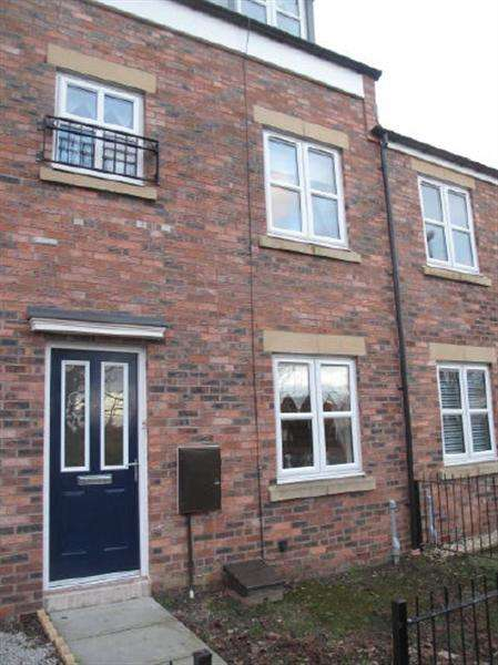 3 Bedrooms Terraced House for sale in Claypit Close, South Shields
