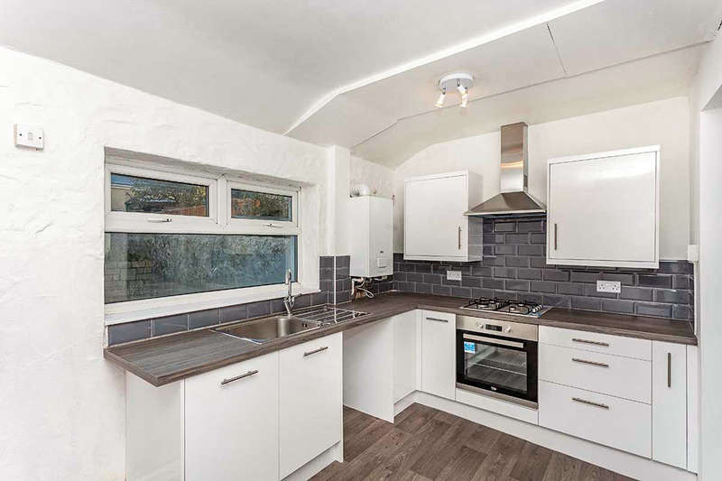 2 Bedrooms Property for sale in Trevenson Street, Camborne, TR14