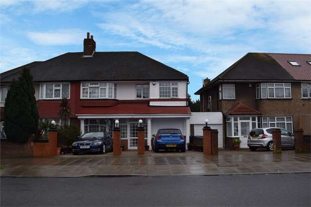 5 Bedrooms Semi Detached House for sale in Thorncliffe Road, Southall, Greater London