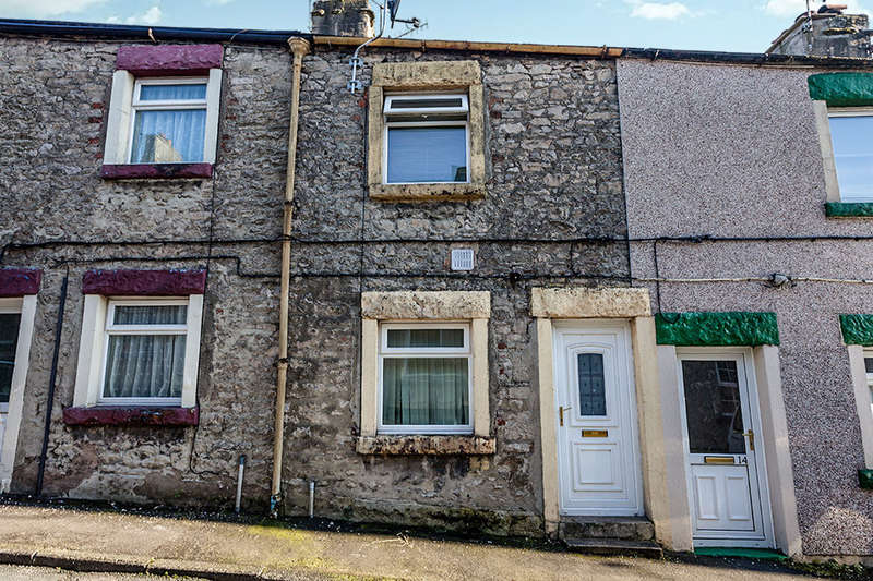 2 Bedrooms Terraced House for sale in William Street, Carnforth, LA5