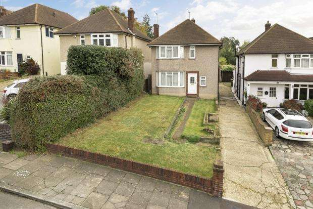 3 Bedrooms Detached House for sale in Arundel Close, Bexley, DA5