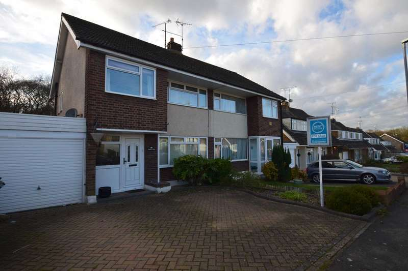 3 Bedrooms Semi Detached House for sale in Marylands Avenue, Hockley