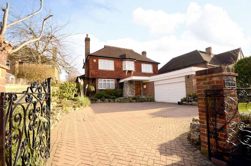 4 Bedrooms Detached House for sale in Coombe Hill