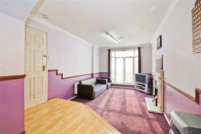 7 Bedrooms House for sale in Garnet Walk, Beckton