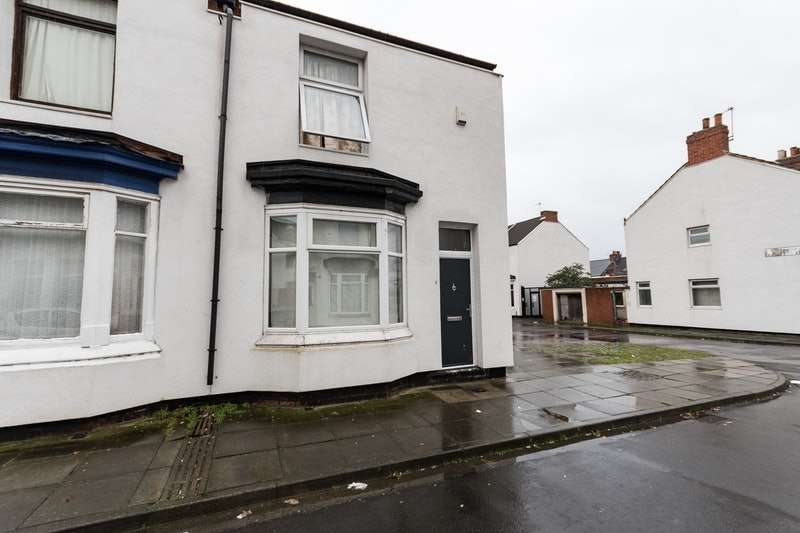 2 Bedrooms Terraced House for sale in Wylam Street, Middlesbrough, North Yorkshire, TS1